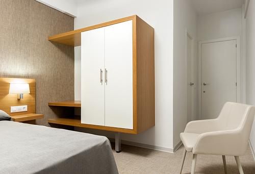 Influencia del dise o en la limpieza de un cuarto de hotel for Diseno de muebles para cuarto de lavado