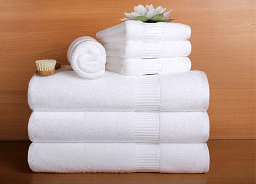 Juegos De Kelly Va Al Baño:Cómo se Colocan las Toallas en los Hoteles – Textiles y